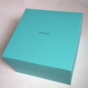 Large Tiffani & Co Box